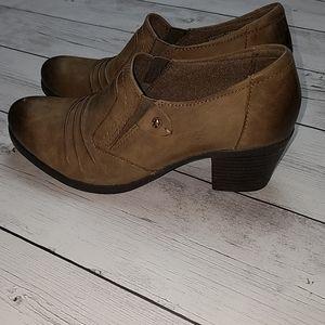 Earth Origins women's 7M slip on heel